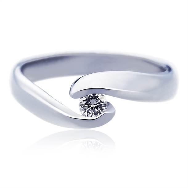 Zaručnički prsten Infiniti