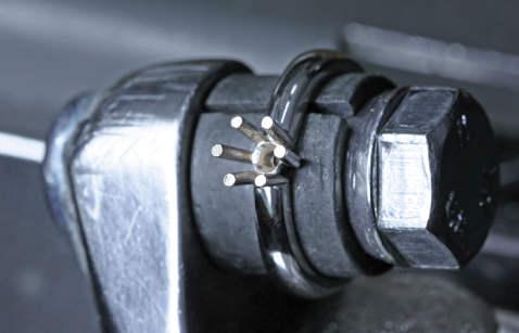 Prsten bez ugrađenog kamena (dijamanta).